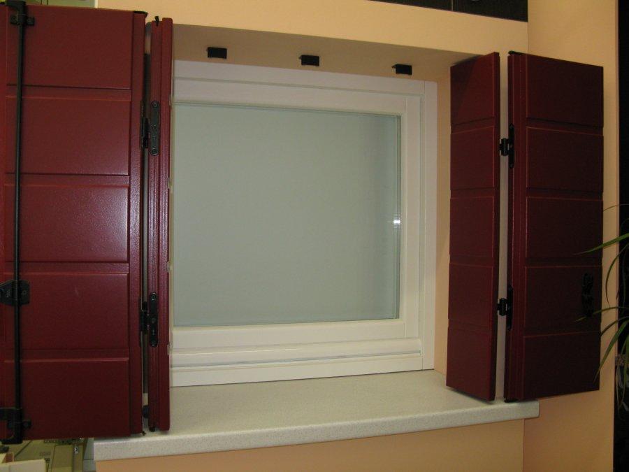 Immagine 7 9 scuri in legno - Scuri per finestre in alluminio prezzi ...